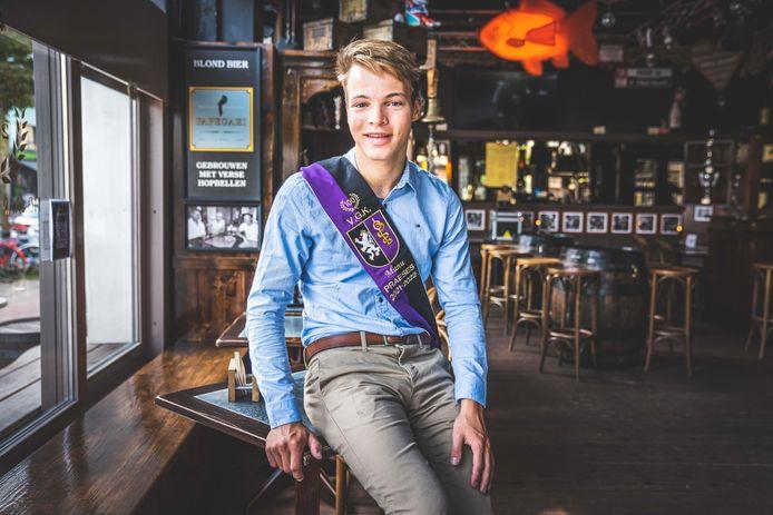Manu, Praeses van studentenvereniging VGK in De Karper