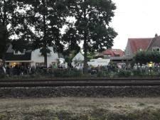 NL-alert: aanmaakblokjesfabriek in Oisterwijk brandt af, deel van het pand staat op instorten