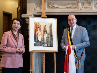 Ros Beiaardstad krijgt ambassadeur Roemenië op bezoek