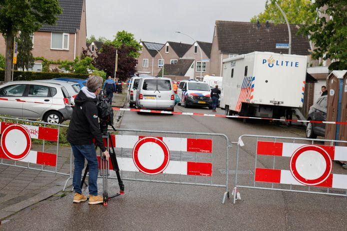 Politieonderzoek nadat in een woning aan de 30ste straat van de Nijmeegse wijk Gildekamp donderdag 27 mei het dode lichaam is aangetroffen van Henk Bos.