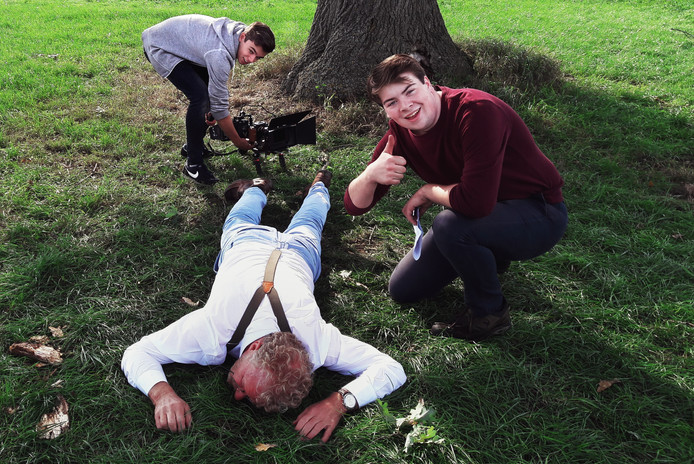Tijdens de opname van een eerdere korte film: De  dag dat ik god vermoordde.  Wessel van Wanrooij, rechts. Sean Louw Links. Zaterdag beginnen de opnames voor hun nieuwe film.
