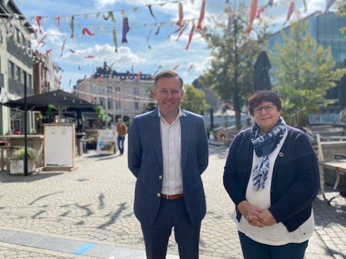 Burgemeesters Alexander Vandersmissen en schepen Marina De Bie