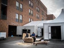 Vloedgolf aan patiënten in Brabants ziekenhuis: 'Pas als je hier werkt, weet je wat deze crisis betekent'