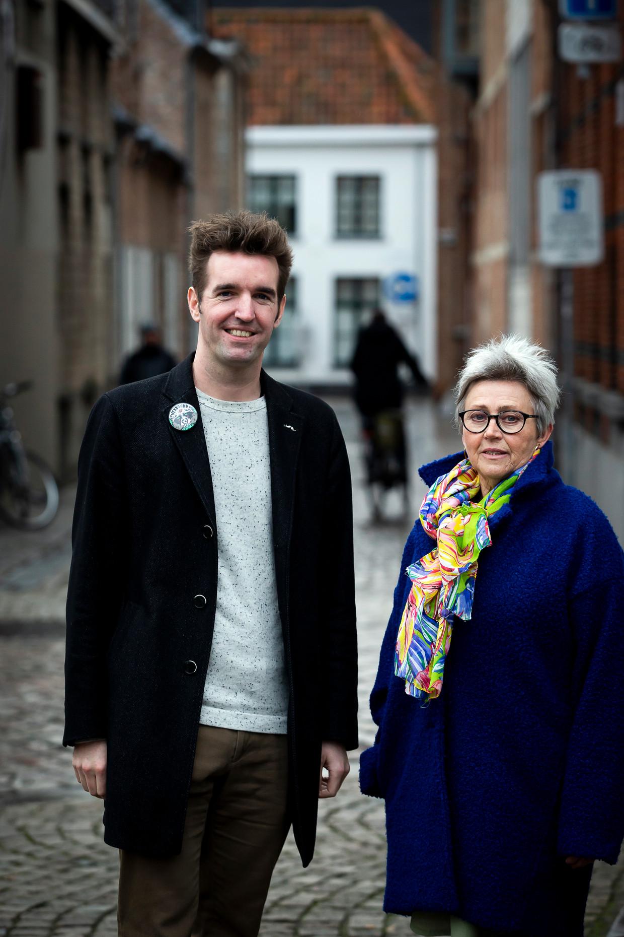 Hein Huyghe organiseert een telefoonlijn voor poëzie. Beeld Photo News