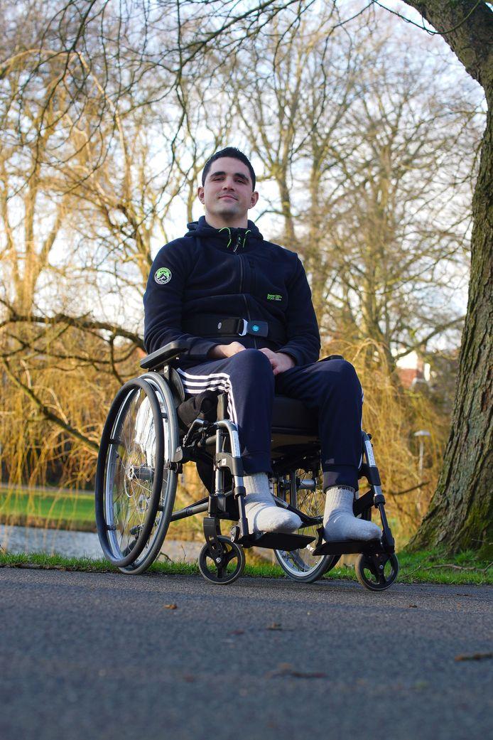 Maarten van den Bergh is sinds het ongeluk afhankelijk van een rolstoel.