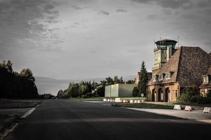 De Strip, de voormalige taxibaan van de vliegbasis is een unieke locatie voor een drive-through.