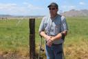 Boer Ben DuVal irrigeert nog wat stukken grond met grondwater.