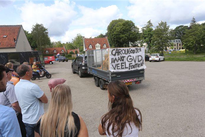 Boeren verzamelen in Boxtel om te protesteren in De Bilt.