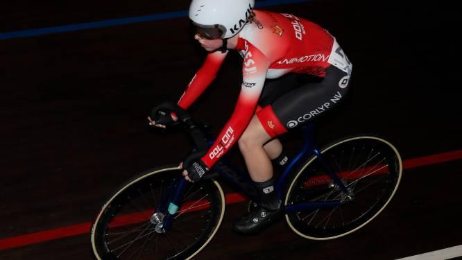 Febe Jooris en Jade Linthoudt ontgoochelen niet in scratch en puntenkoers internationale pistemeeting