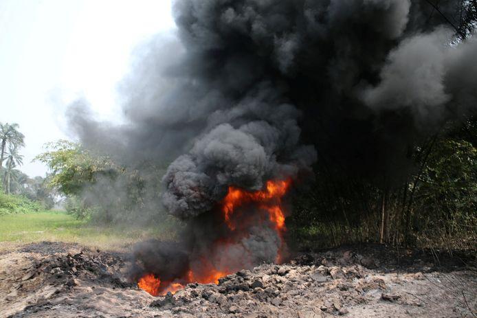 Een brand op de Shell Petroleum Development Company Trans Niger-pijpleiding (TNP, in januari 2017 in Mogho, Gokana in de staat Rivers.