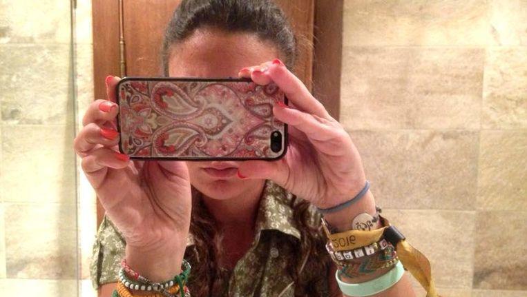In een onlinecampagne eisen Egyptenaren de vrijlating van opgepakte landgenoten. 'Bent u bang voor de camera van een mobiele telefoon?', luidt de retorische vraag aan president Abdel Fattah al-Sisi. Beeld Hollandse Hoogte