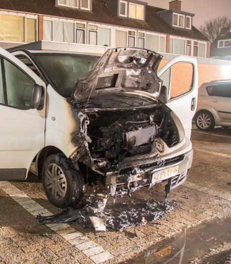 Opnieuw bedrijfswagen uitgebrand in Woerden, politie vermoedt brandstichting