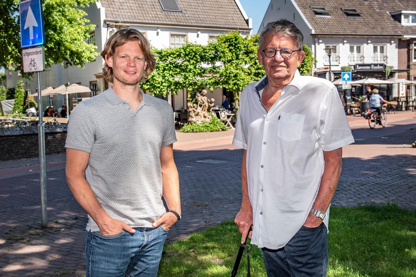 Jop en vader Piet Huijbregts bij de restaurants Petrus en Paulus.