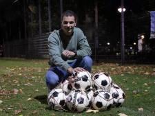 Maurice van Hoof maakt 100 goals voor Mifano: 'Ik wil altijd één van de beteren zijn en scoren'
