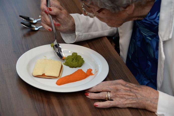 Mensen met kauw- en slikproblemen kunnen alleen gepureerd voedsel eten.
