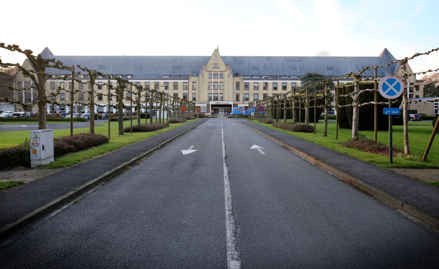 Het voormalig ziekenhuis in Sijsele.