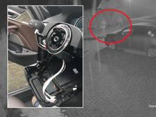 Met hulp van sleutel op slaapkamer roven dieven alle onderdelen uit BMW van Herman in Zwolle