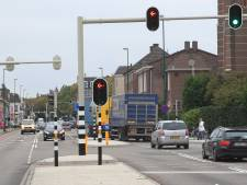 De maat is vol in Waalre: Elke dag rijden tienduizenden auto's en vrachtwagens door kernen