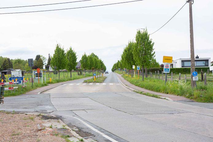 De Gravenbosstraat in Liedekerke, aan de grens met Borchtlombeek.