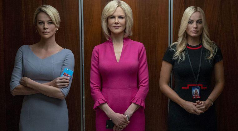'Bombshell' vertelt het waargebeurde verhaal van de vrouwen –Charlize Theron, Nicole Kidman en Margot Robbie – die voor de Amerikaanse zender Fox werken. CEO Roger Ailes moest ontslag nemen wegens grensoverschrijdend gedrag.  Beeld rv