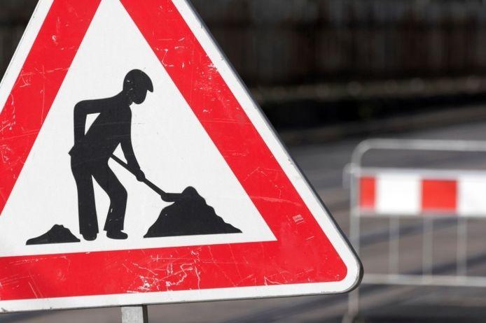Er is een grote inhaalslag nodig om achterstallig onderhoud aan wegen weg te werken in de gemeente Moerdijk. De gemeente trok daar donderdagavond een kleine 7 miljoen euro voor uit.