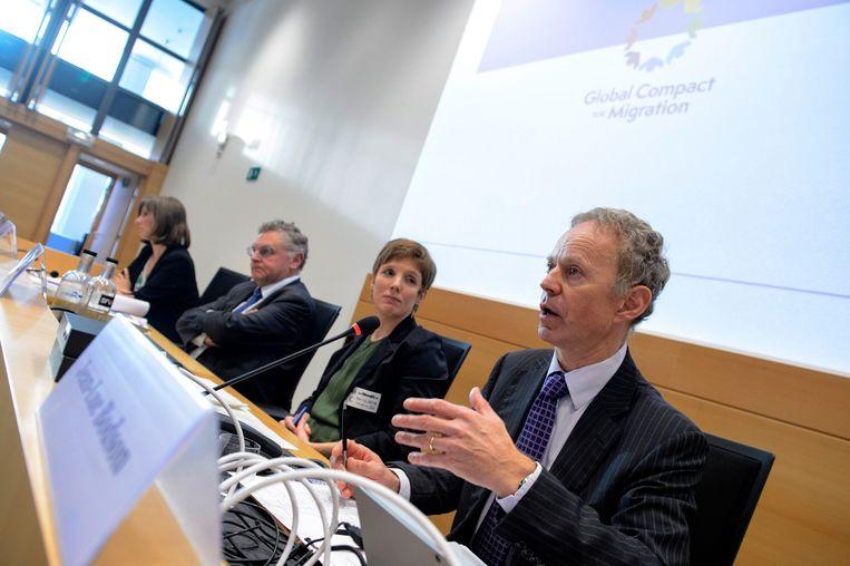 Prof. Anne Lagerwal (ULB), advocaat Fernand Keuleneer, prof. Ellen Desmet (Universiteit Gent) en ambassadeur Jean-Luc Bodson.
