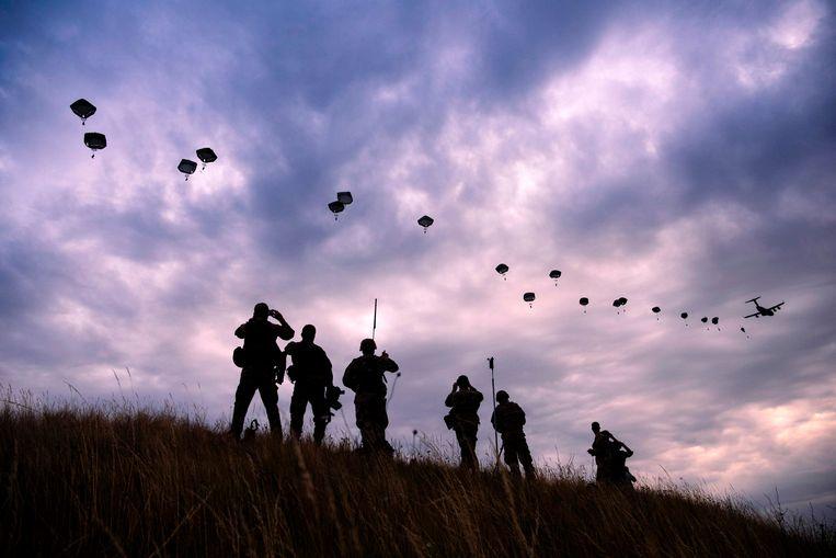 Een militaire training van de NAVO in Bulgarije.  Beeld AFP