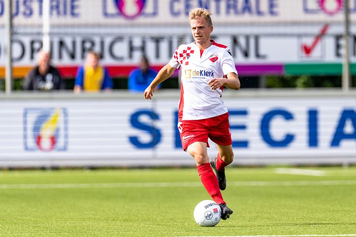 Gwaeron Stout scoorde openingstreffer voor Kozakken Boys tegen Groene Ster.