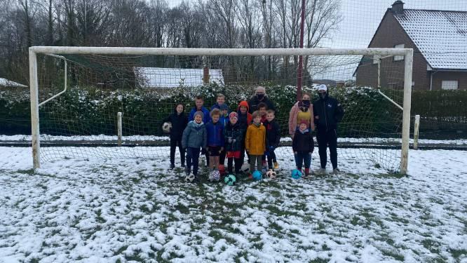 """De jongens van voetbalkamp in Rillaar moeten wachten tot sneeuw smelt: """"We hadden ons het kamp wel anders voorgesteld"""""""