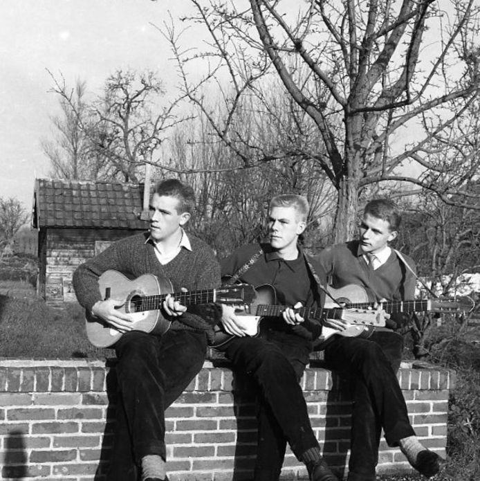 Los Vanmekaros, met van links naar rechts Jacob Bikker, Huib van der Leeden en Wim Zwijnenburg.