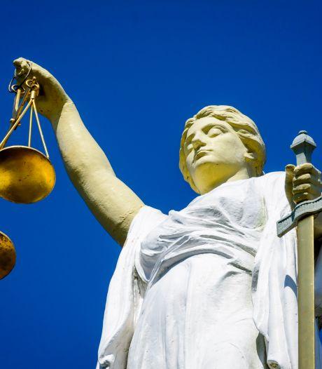 Rechtbank spreekt oppasouders vrij van doden baby