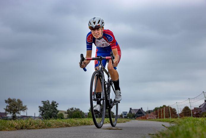 Wielrenster Joëlle Eenkhoorn uit Genemuiden heeft het parcours van de Omloop van Noordwest Overijssel de afgelopen weken vaak gereden.
