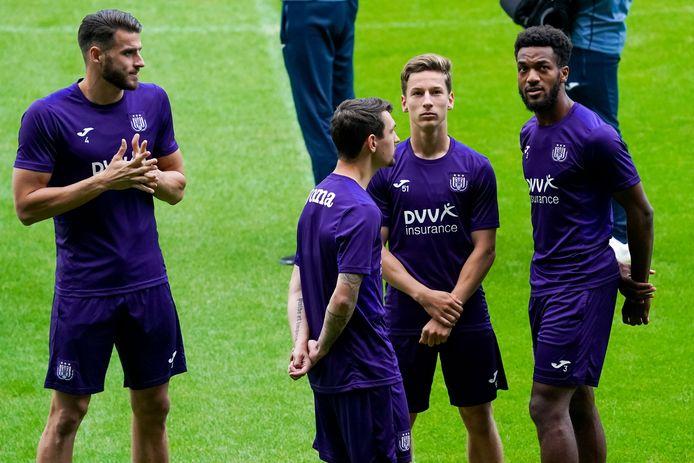 Anderlecht trainde gisteren al in Arnhem.