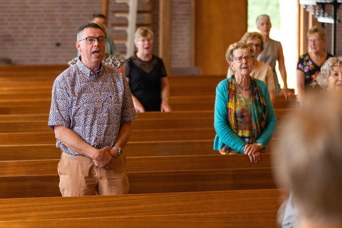 In de Gereformeerde Kerk in Rijswijk wordt weer gezongen.