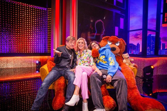 Bart Peeters, Tine Embrechts en haar zoon Oscar.