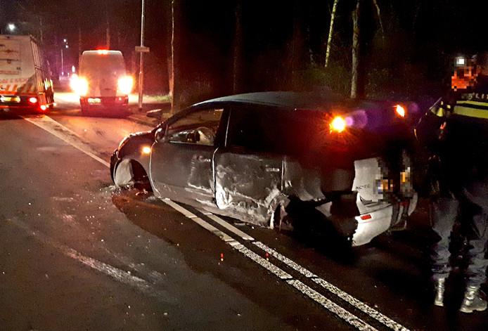 De flink beschadigde auto in Wijchen.