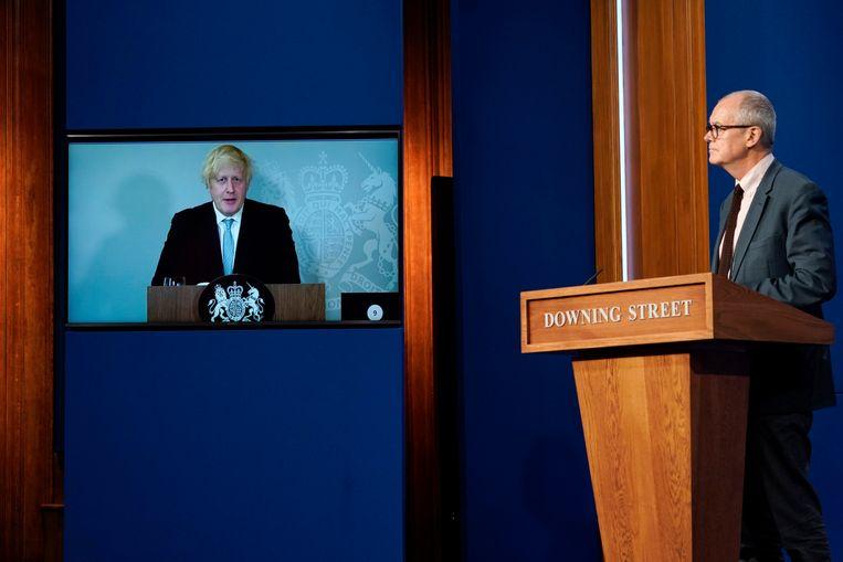 Boris Johnson moest een persconferentie over het coronavirus via video van thuis uit volgen omdat hij in quarantaine moest wegens een risicocontact. Beeld AP