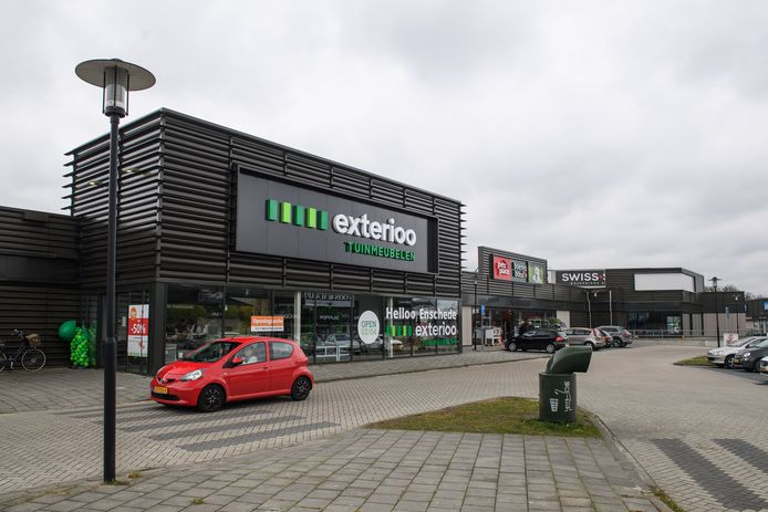 In het voormalige Pocopand zijn meerdere nieuwe winkels neergestreken.  X2O Badkamers, Exterioo, Pet's Place en de Fietsvoordeelshop.