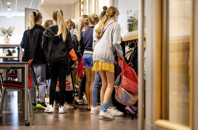 Juist komend onderwijsjaar zal het ventilatievraagstuk opnieuw spelen; de vaccinatiegraad onder jongeren en kinderen blijft relatief laag. Beeld ANP