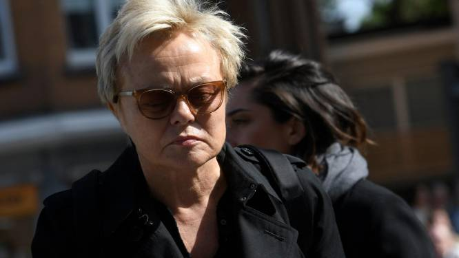 """Muriel Robin victime de tentatives de viol à l'âge de 12 ans: """"J'ai été coincée dans un ascenseur"""""""