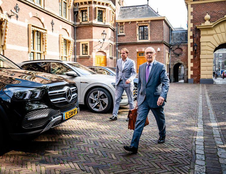 Minister Tom de Bruijn (D66) bij aankomst op het Binnenhof voor de wekelijkse ministerraad. Beeld ANP