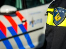 Politie treedt op tegen grote  samenscholing Arnhem