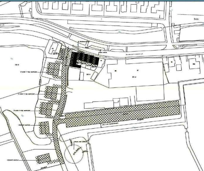 Schets van het plan met de starterswoningen naast het autobedrijf aan de Kamperzeedik en verder op het terrein de vrijstaande en twee-onder-een-kap woningen.