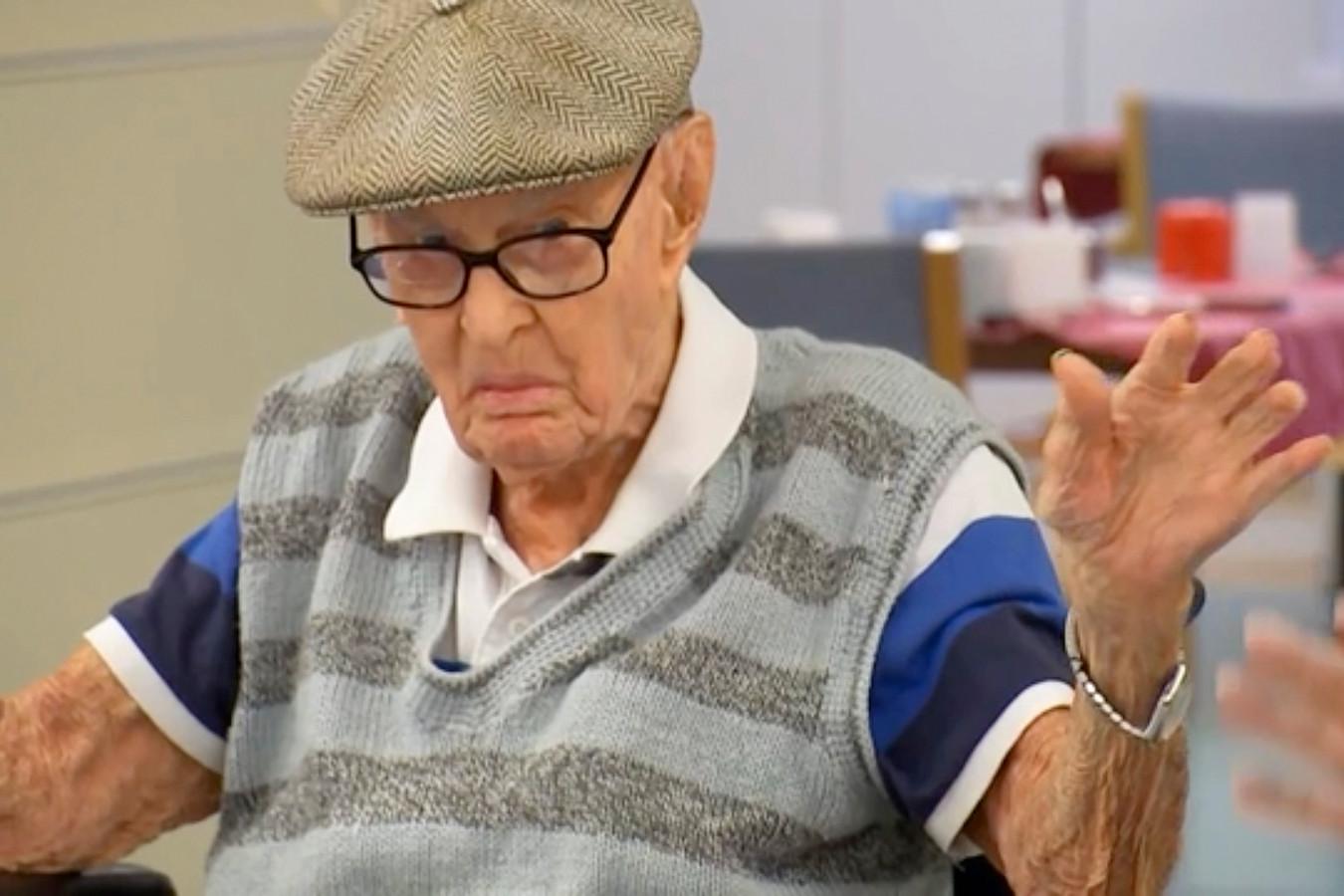 Dexter Kruger overtrof maandag de leeftijd van de tot dan toe oudste man van Australië, die 111 jaar en 123 dagen oud werd.