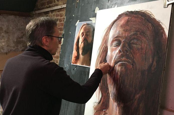 Voor één van zijn werken baseerde Patrik zich op het gezicht van een man die hij ontmoette in wellnesscentrum Thermen Katara.