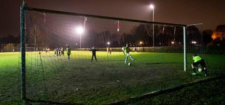 Heusden betaalt mee aan ledlampen van clubs, maar is verbaasd over voorbarige actie van RKDVC
