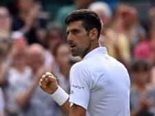 Djokovic zonder setverlies én met jubileumzege naar vierde ronde Wimbledon