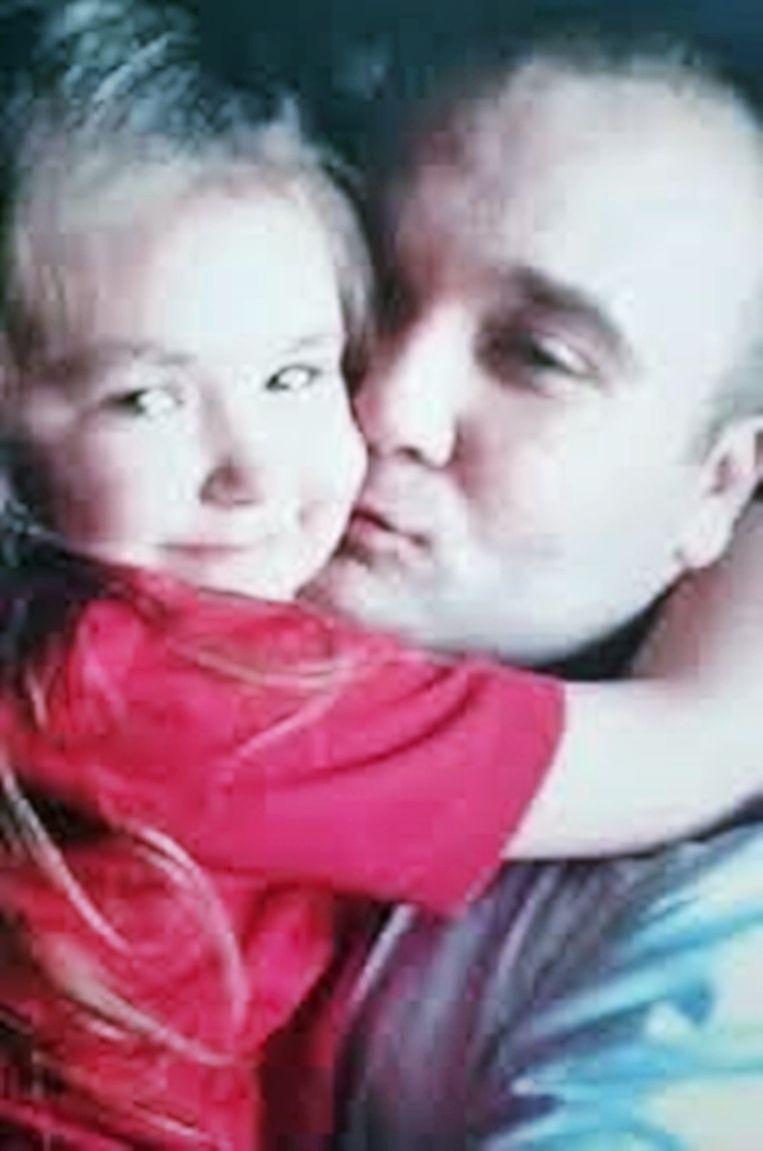 Brian met zijn dochtertje.