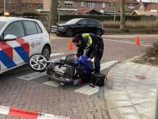 Ernstig ongeluk in Nijkerk: snorfietser zwaargewond na botsing met bestelbus