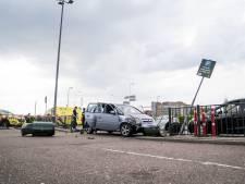 Ongeval McDonald's: man (80) reed per ongeluk door hek, rijbewijs voorlopig in beslag genomen